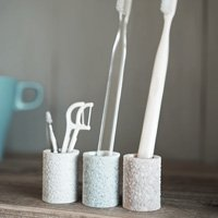 toothbrush-stand-mini